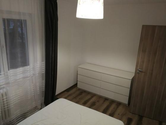 Apartament 2 camere 320 euro 5 minute pana la metrou Piata Sudului