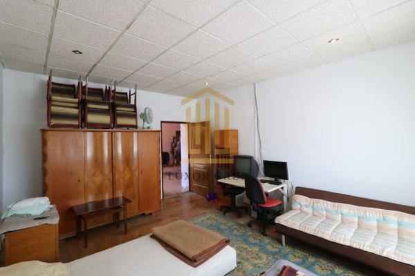 Casă / Vilă 5 camere | zona Centrala | Teren 696