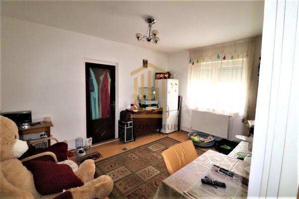 Apartament 2 camere   Vasile Aron   Etaj 4/5   48 mpu