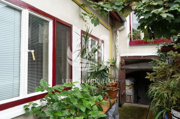 Casă de vânzare, finisată,  strada Lupeni, 193 mp