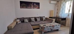 Apartament 2 camere 315 euro 6 minute pana la metrou  Dimitrie Leonida