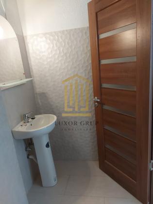 Apartament 2 camere   Balcon    Lift   Parcare privata