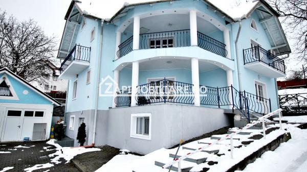 Casa 5 camere, 200 mp,300 mp teren, zona Platou 2 parcari