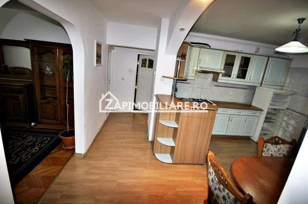 Apartament 3 camere, 2 băi,75 mp,cartier Tudor,zona Eon