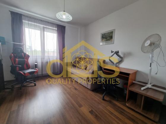 Apartament 3 camere zona Parcul Sub Arini