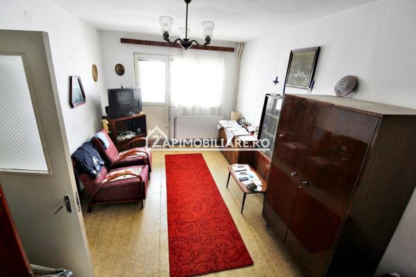 Apartament 2 camere, etaj 1, decomandat, strada Garii, Targu Mures