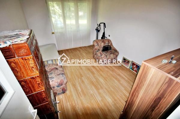 Apartament 3 camere, conf. 1,65mp.pivnită ,semicentral