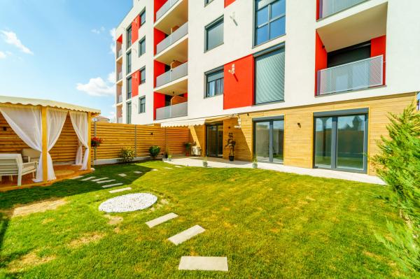 Apartament 4 camere cu gradină proprie în bloc nou