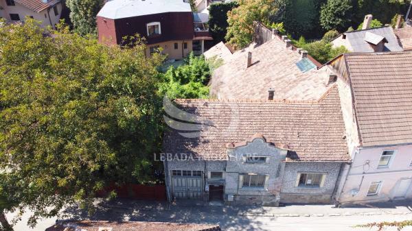 Casa situată în centrul orașului, 322 mp