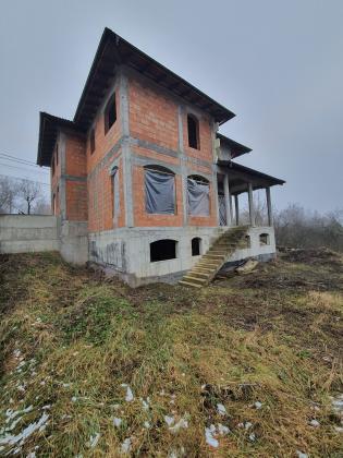 Vila 220 mp, 620 mp teren, zona Platou, 0% comision