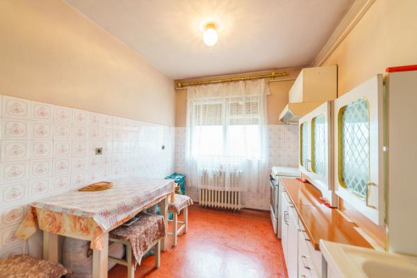 Apartament 4 camere cu vedere panoramică la Miorița