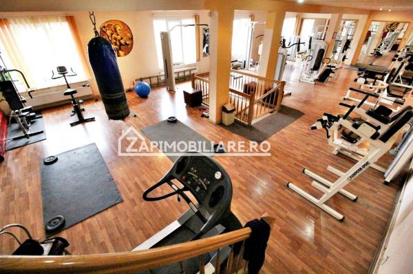 Restaurant,bar,magazin,sala fitness,400mp,mobilat si utilat.