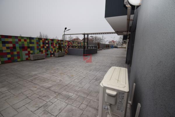 Sisesti. terasa 41 mp, 2 locuri parcare. Optiune rate proprietar