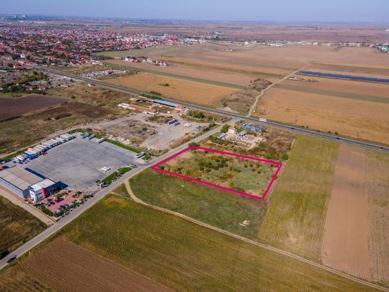 Teren industrial, în localitatea Vladimirescu, lângă DN7